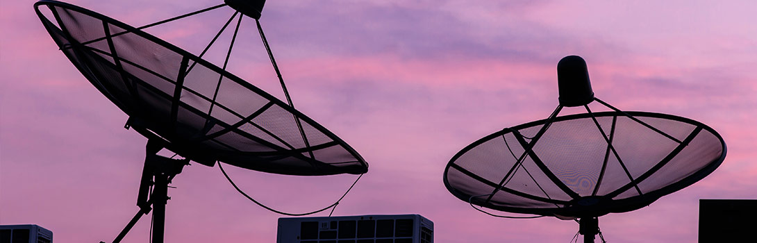 Satelliten- und Antennen-Anlagen